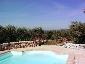 Holiday villa with pool in the Luberon in Provence