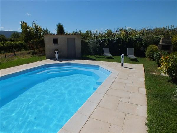 Holiday rental in the Luberon with pool
