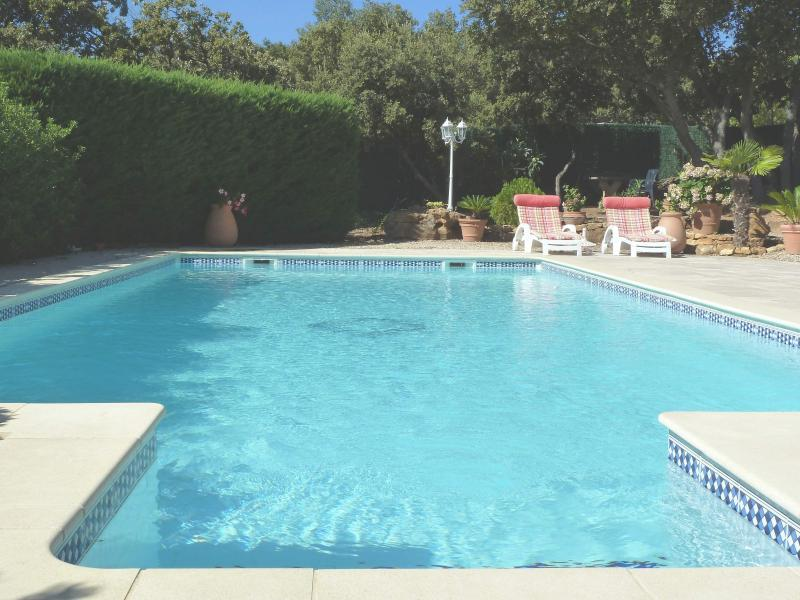 Gite with pool in Provence for 2 people