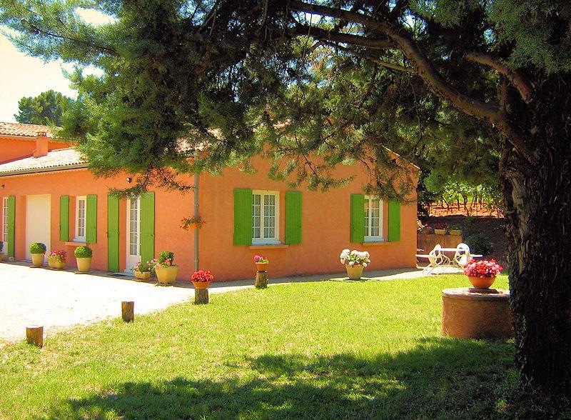 Gite for 4 persons in Roussillon in the Luberon