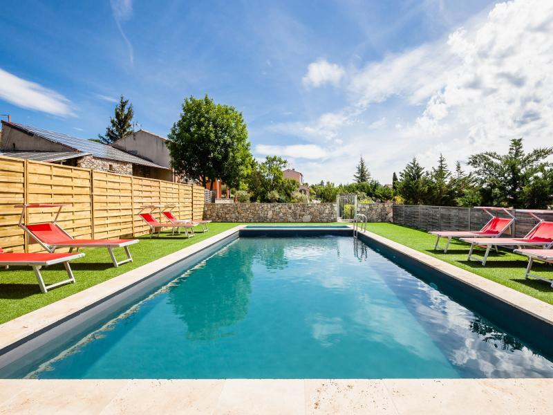 Holiday rental with pool in Alpes-de-Haute-Provence