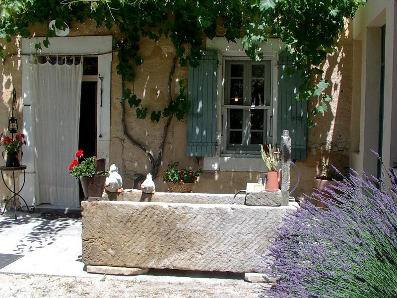 House for 12 persons in Gordes in the Luberon