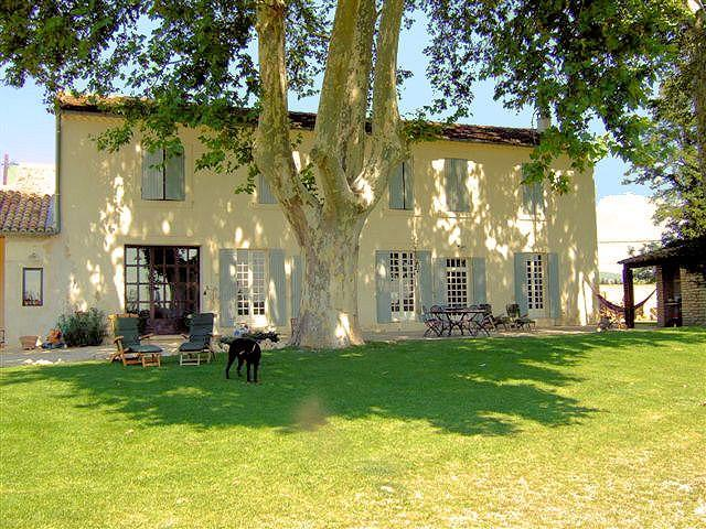 Beautiful restored farmhouse with pool in the Luberon