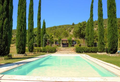 Holiday rental with pool in the south Luberon