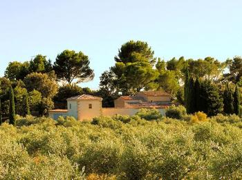 Charming provencal stone house in southern Luberon (Provence)