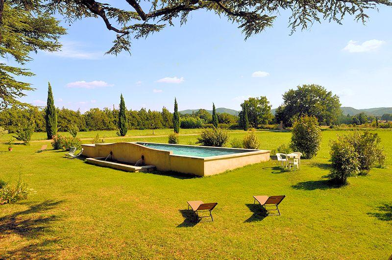 4 Bed & breakfast with charm in southern Luberon