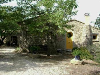 Cottage of charm with pool in the Vaucluse