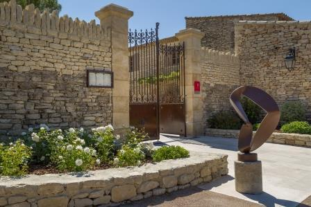 Hotel *** of charm in Gordes in the Luberon