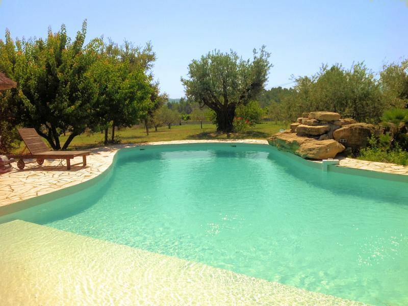 Vacation rental with pool in southern Luberon