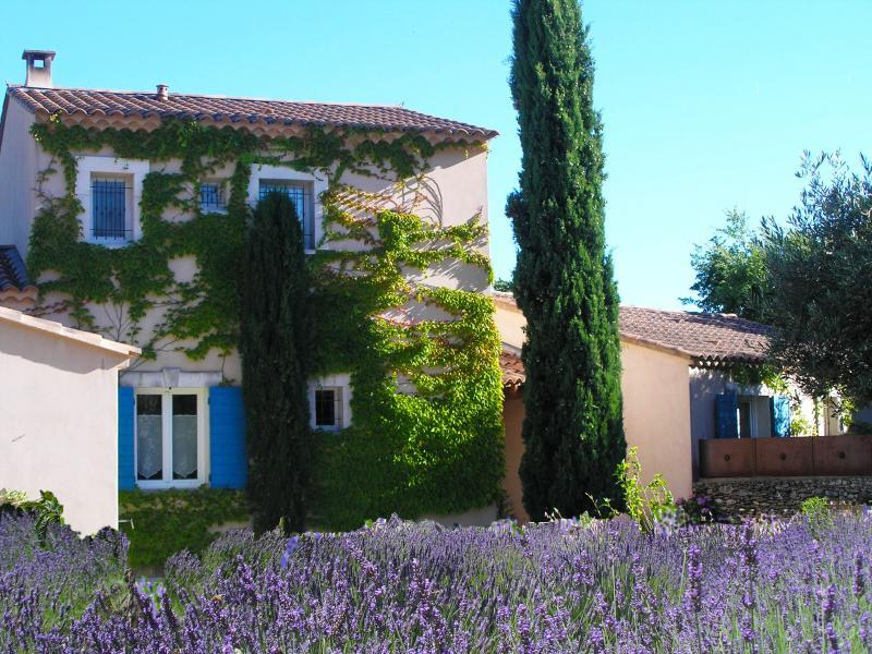 5 Bed & breakfast with charm in Lacoste in the Luberon