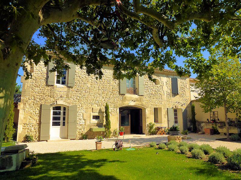 Mas of charm in the Alpilles, in Provence