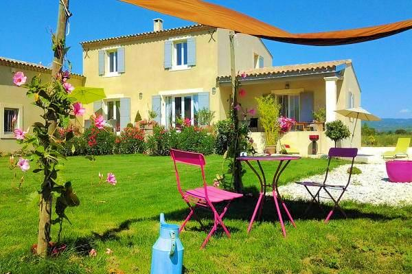 Holiday cottage for 2 people near Gordes in the Luberon