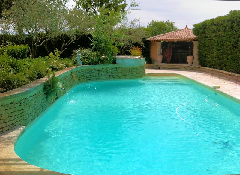 Holiday rental with pool & jacuzzi for 8/12 persons in the Luberon