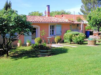 Holiday cottage for 4 people in Gargas in the Luberon