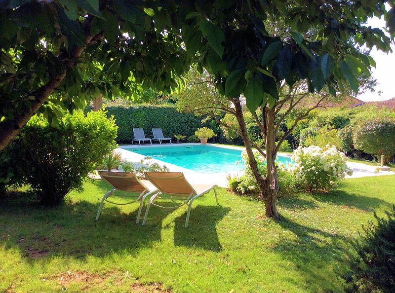 Holiday villa with pool for 6 people in the south Luberon