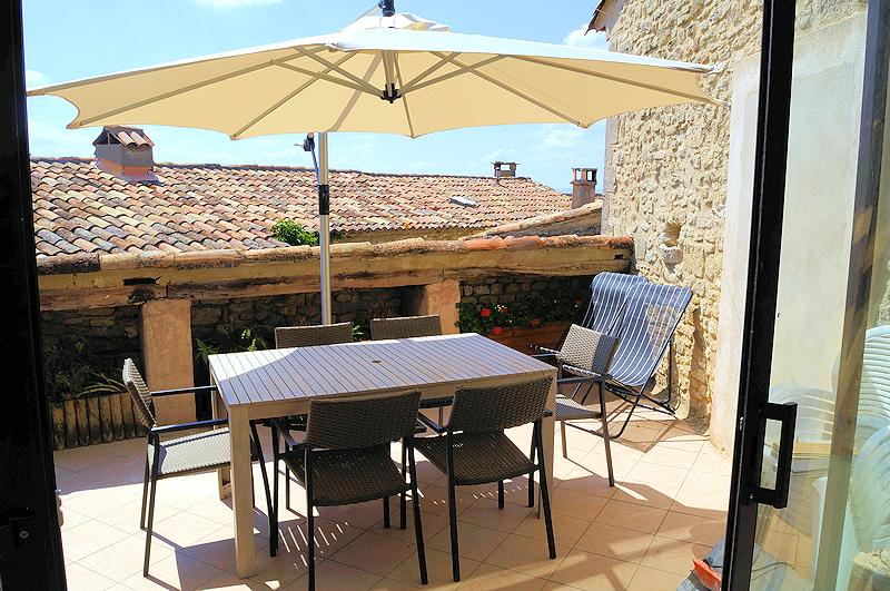 Gite of charm for 4 persons in Saignon in the Luberon