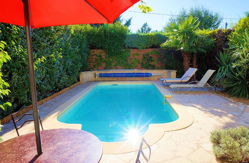 Holiday rental with pool for 5 people in the Luberon