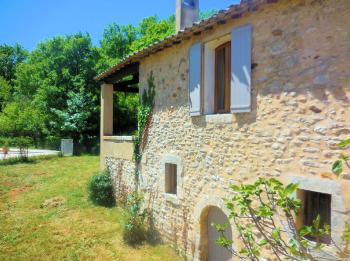 Holiday house with pool for 6 people in the Luberon