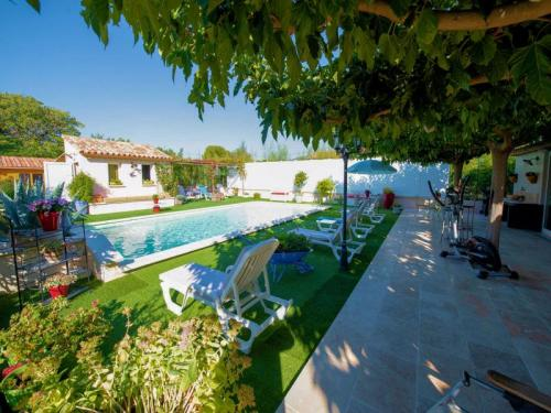 Villa with pool for 10 people in the south Luberon