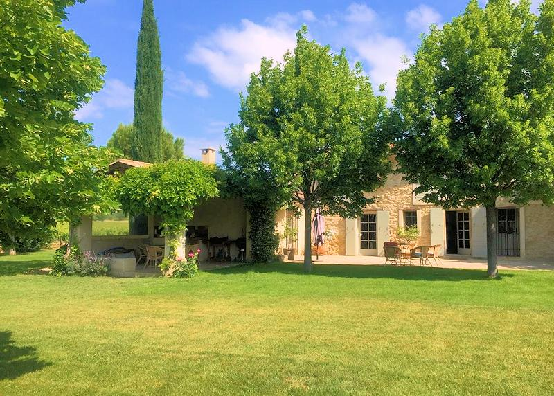 Charming holiday rental in the Luberon for 8 persons