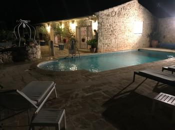 Holiday rental with pool in the Luberon