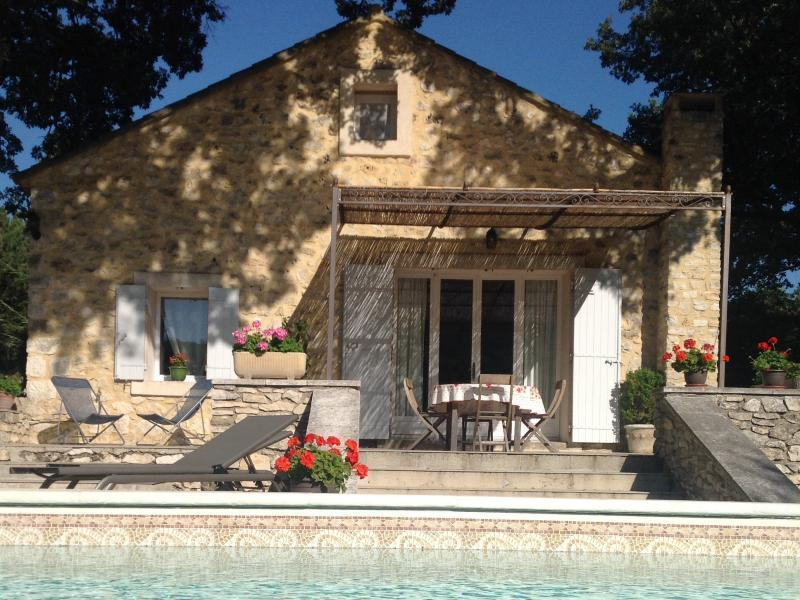 Country house with pool (heated) in the Luberon