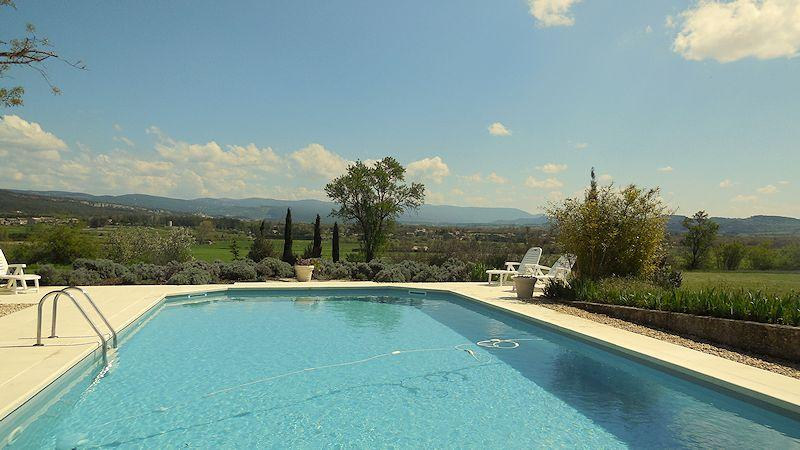 Charming holiday rental, in the Luberon, in Gordes