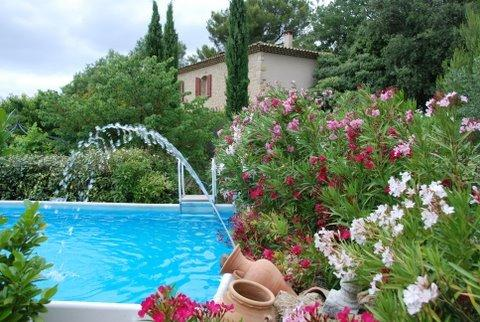 Bed & breakfast with pool in Provence