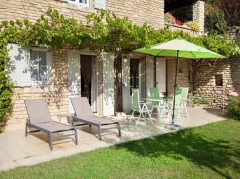Gite with pool for 2 persons in Bonnieux