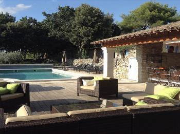 Luxury villa with heated pool in Menerbes in the Luberon
