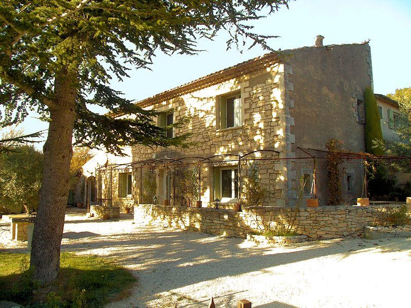 Charming cottage with pool in the Luberon