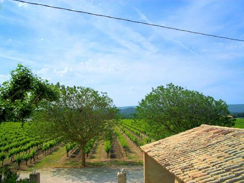 Lodging in a Provencal farmhouse in Provence